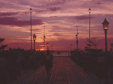 lamp-posts-sunrise-street